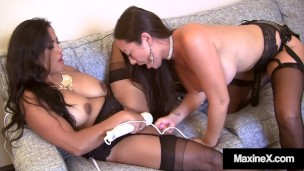 Asian Pussy Lover Maxine X & Nyssa Nevers Jet Their Girly Juice & Fuck!